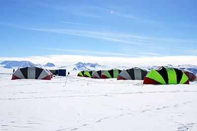 南極大陸ベースキャンプ