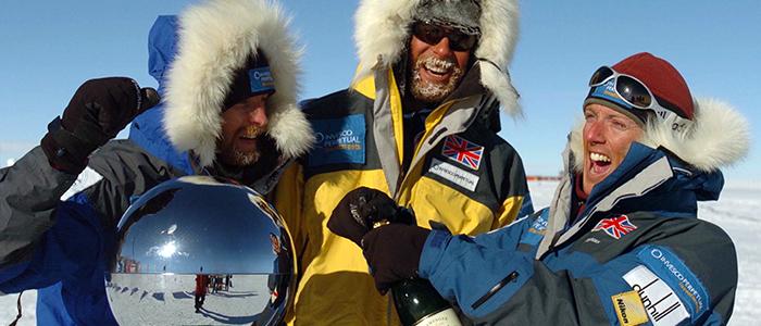 プライベートジェットで行く南極大陸9日間南極点ツアー