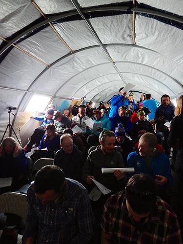 南極大陸で富山のアマチュア劇団「文芸座」公演大成功