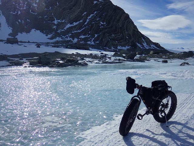 気温の上昇で南極大陸にも川が出現