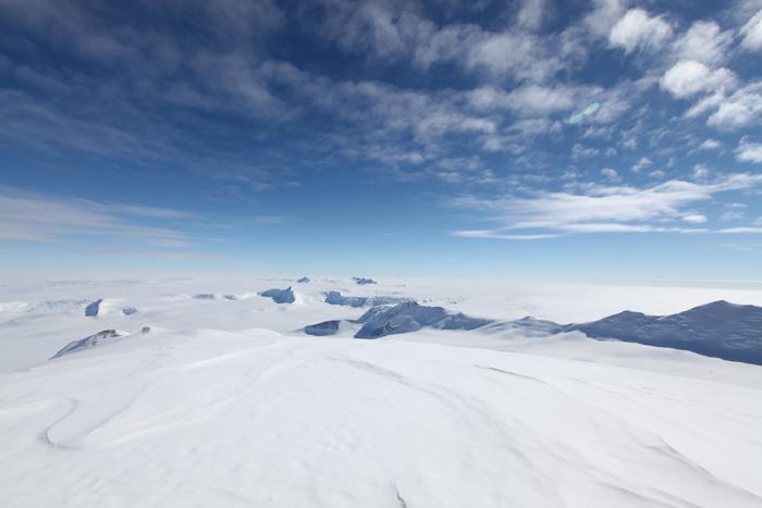 南極の霊峰ビンソン登山
